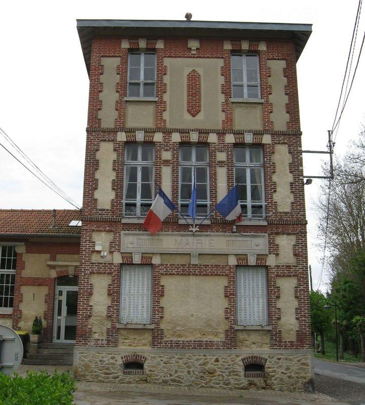 alt_leschauffeursparisiens_Dammartin-sur-Tigeaux_mairie.jpg